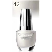 Universal Nails Classic nro 42 kynsilakka  15 mL